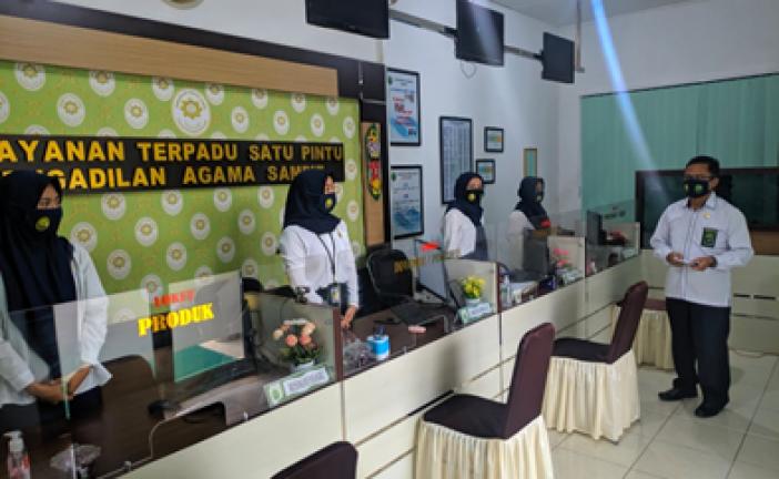 Briefing Morning Petugas PTSP dan Security PA Sampit: Tingkatkan Pelayanan dan Kebersihan PTSP Pengadilan Agama Sampit